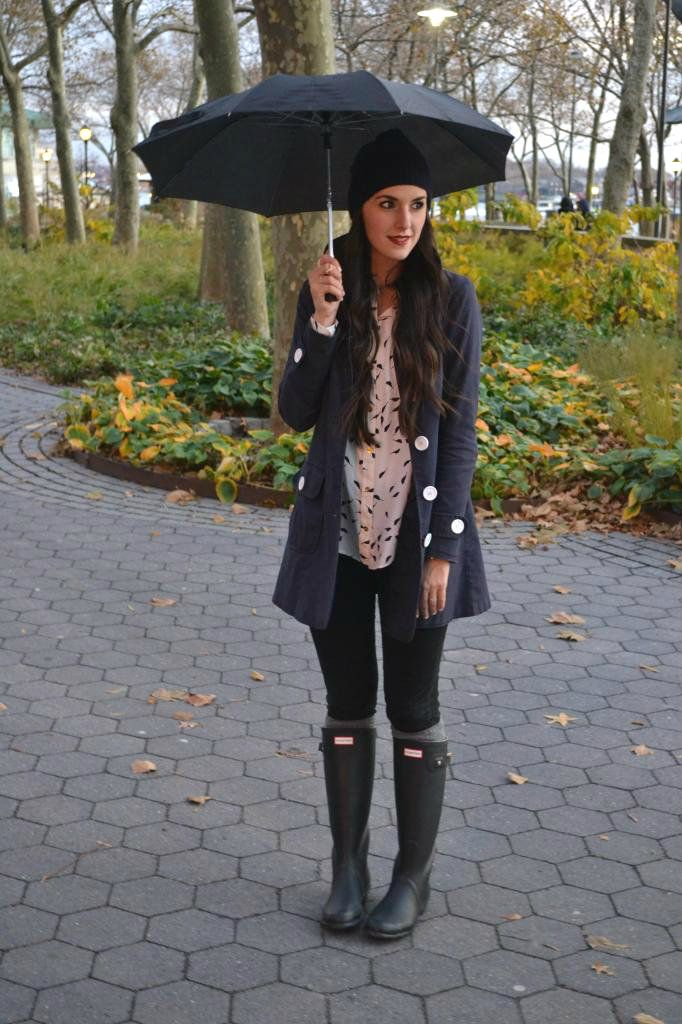 27d79eb6f18 10 Cool Ways To Wear Your Old Rubber Rain Boots This Spring | Hunter ...