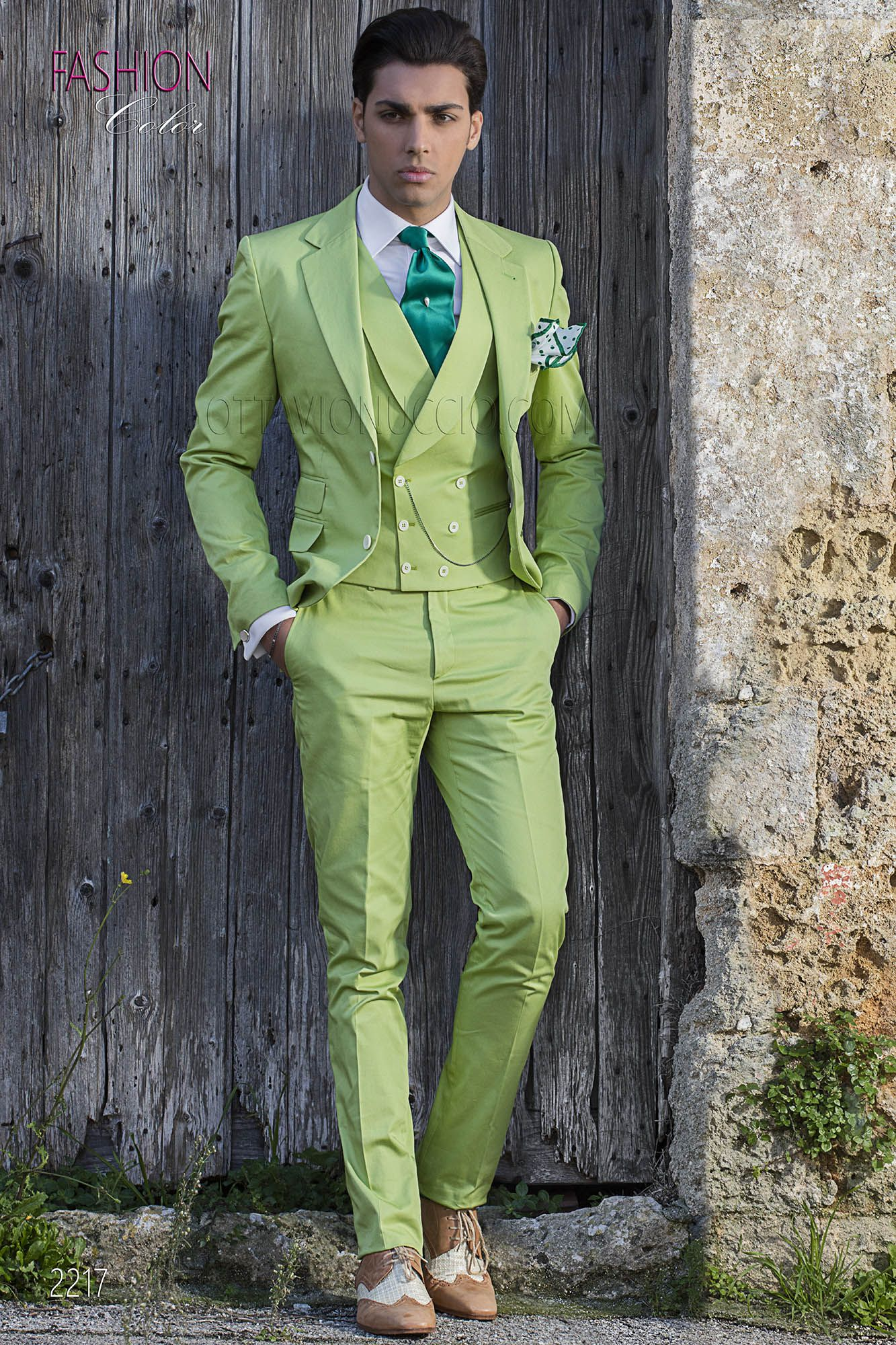 f1bfcbf2fdb94 Italian bespoke wedding summer suit in green cotton. Suit ONGala 2217