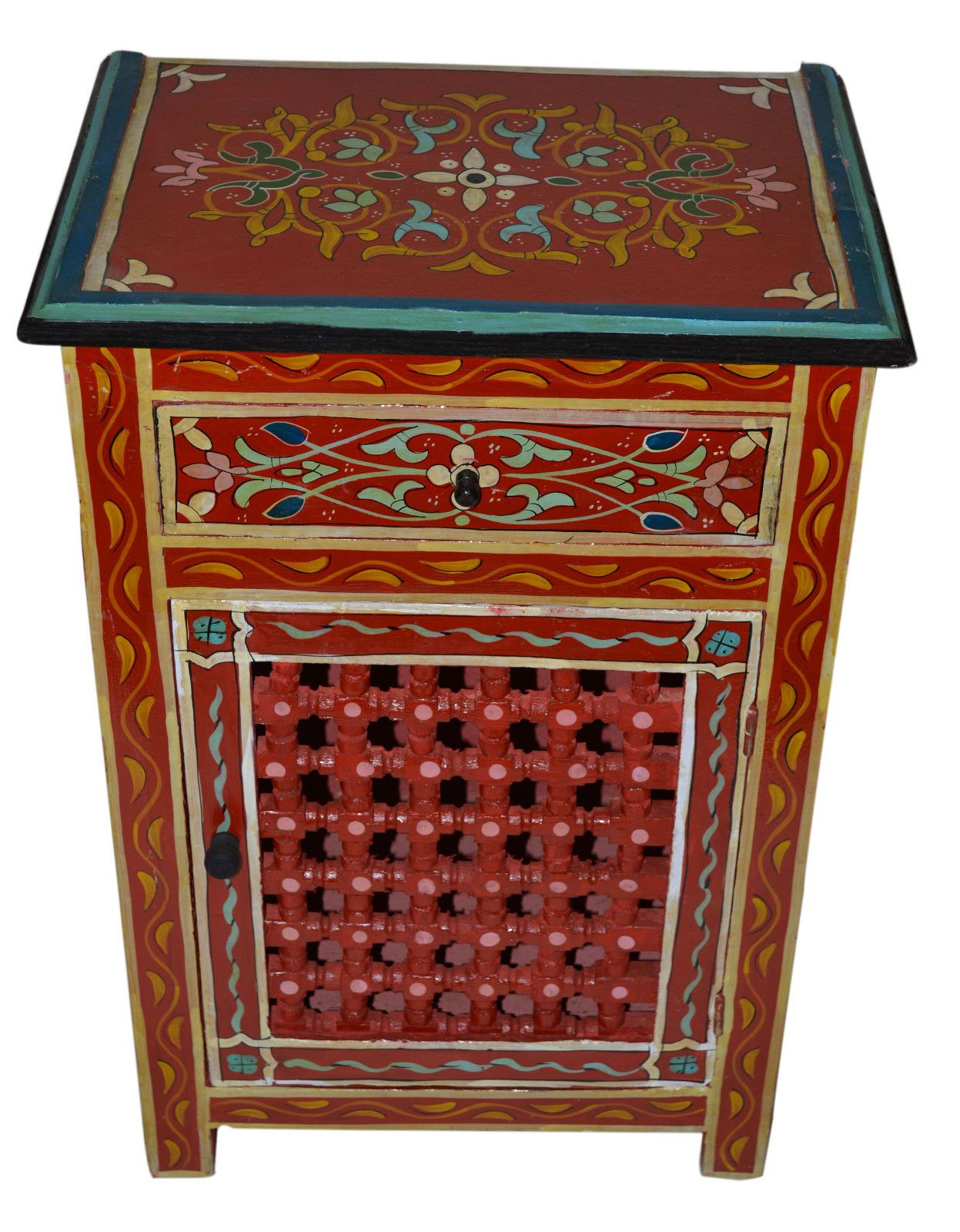 Love this Moraccan chest ! | Moraccan decor, Meditation ...