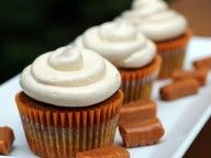 Pumpkin Pie Cupcakes with Salted Caramel Buttercream. These I have to try!