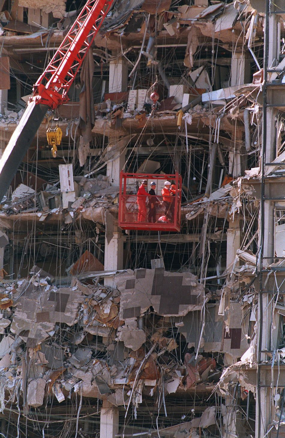 Oklahoma City Bombing On 4-19-1995