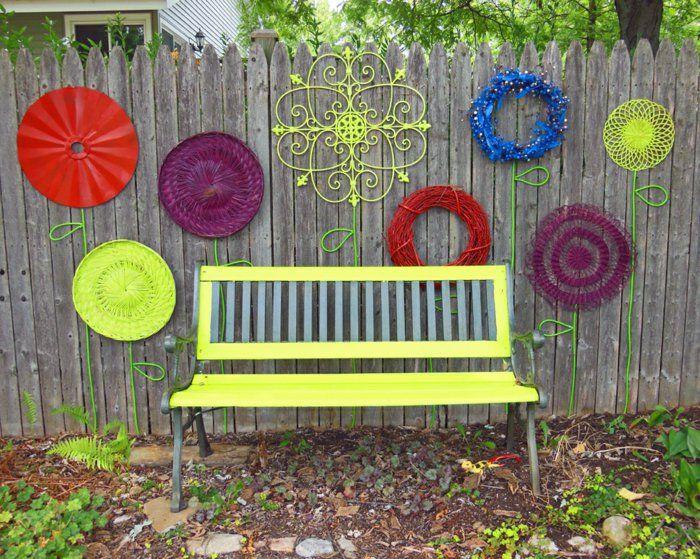 gartenideen hinterhof gartenbank gartenzaun dekorieren - Gartenbank Mit Sichtschutz