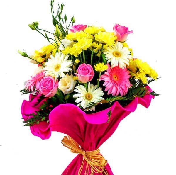 Regalar Un Ramo De Flores Para Cumpleaños Es Algo Bastante Habitual Aunque A Veces Nos Volvemos Locos Por Que No Ramos De Flores Flores De Cumpleaños Flores