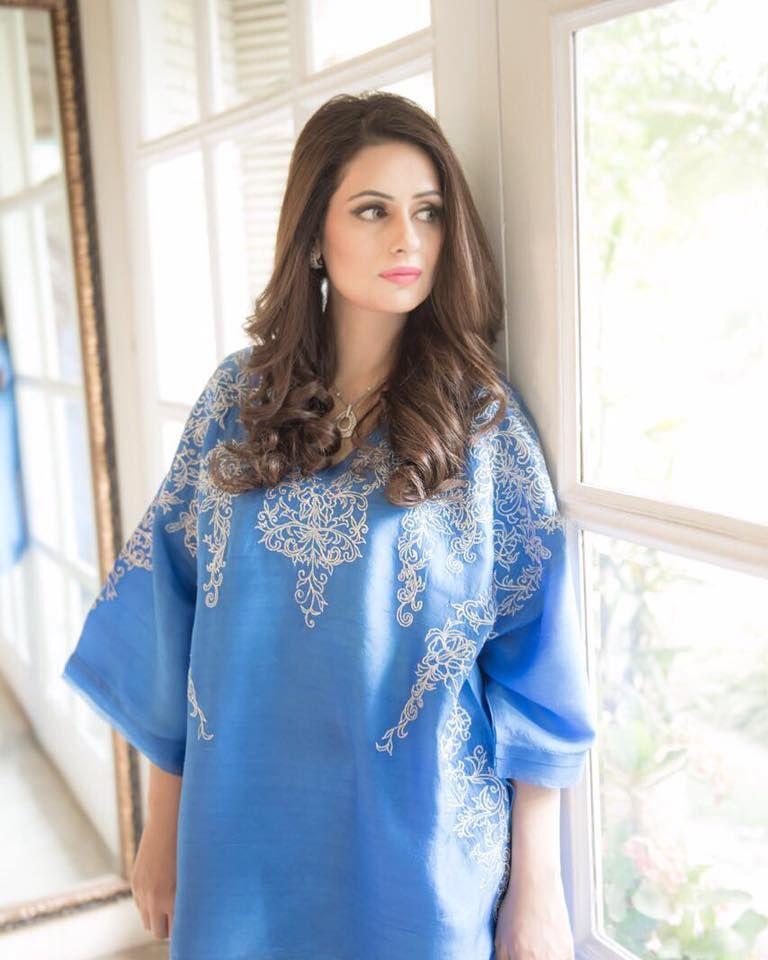 Farida hasan beautiful shirt pakistani outfits chicken