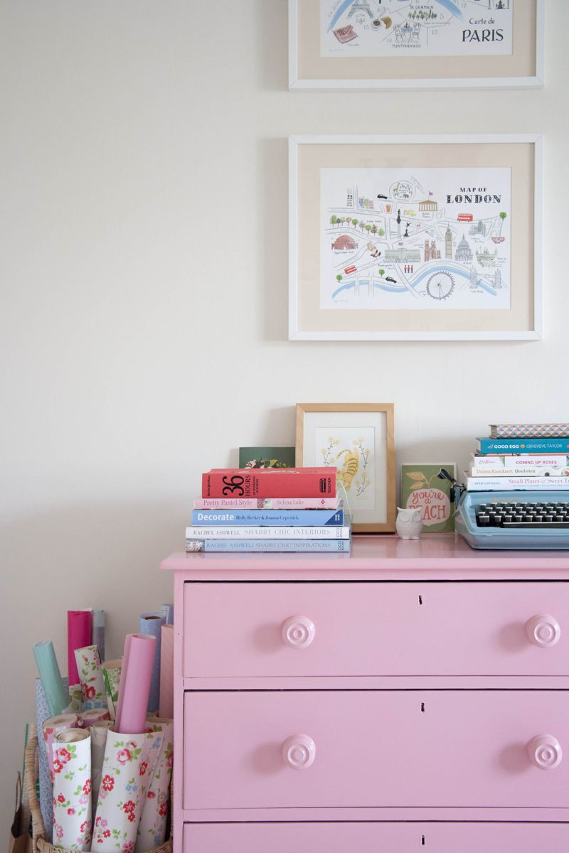 Homes with Heart: Scandinavian Pretty Home Tour with Yvonne from Yvestown (text/words: Holly Marder for decor8) & Home Tour: Scandinavian Pretty House | Painted furniture | Pinterest ...