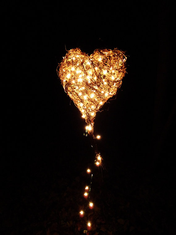 CUSTOM Lighted Hanging Heart Large Rustic Freeform By Bazketmakr 7500 Boda En El Bosque