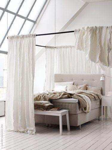 une chambre cocon avec des voilages rideau chambre voilages et s parer. Black Bedroom Furniture Sets. Home Design Ideas