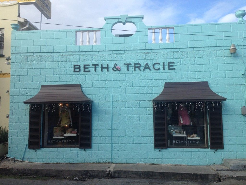 Beth & Tracie have an outlet store in the Chattel Village