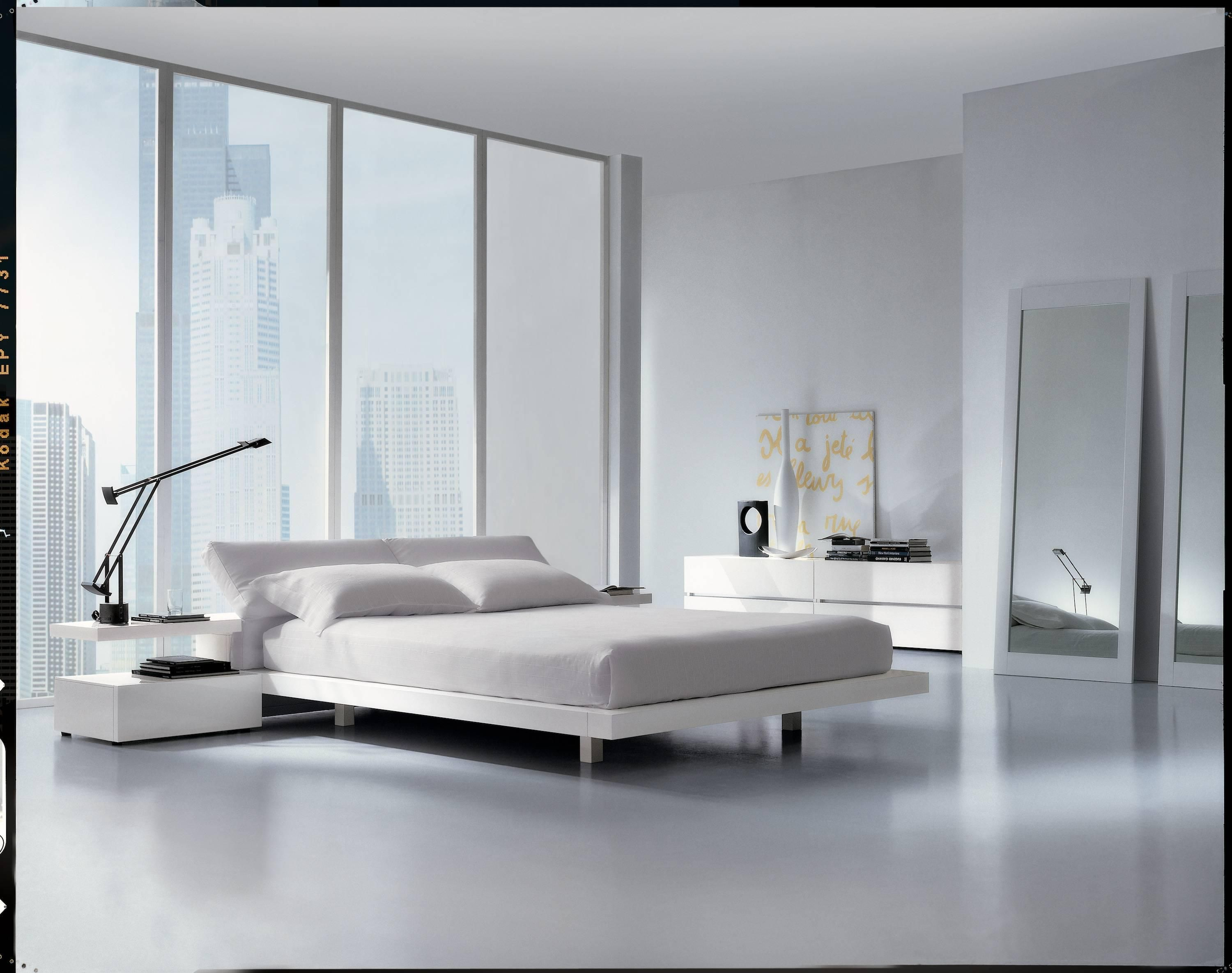 Italian Modern Platform Bed Furniture High Gloss Lacquered For At 1stdibs