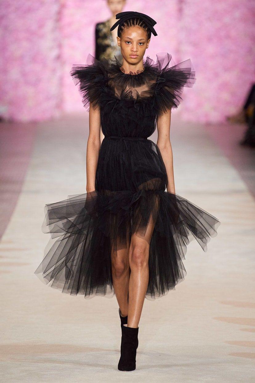 Más agudo peinados flamenca 2021 Colección de tendencias de color de pelo - Giambattista Valli Fall 2020 Ready-to-Wear Fashion Show ...