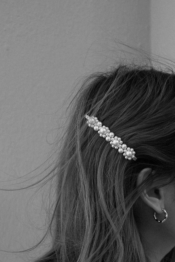 Pin by ᗰƖᔕᔕ ᗰᗩᖇƖᗩ on ᗷᒪᗩᑕƘ & ᗯHƖTE in 2019 Cheveux