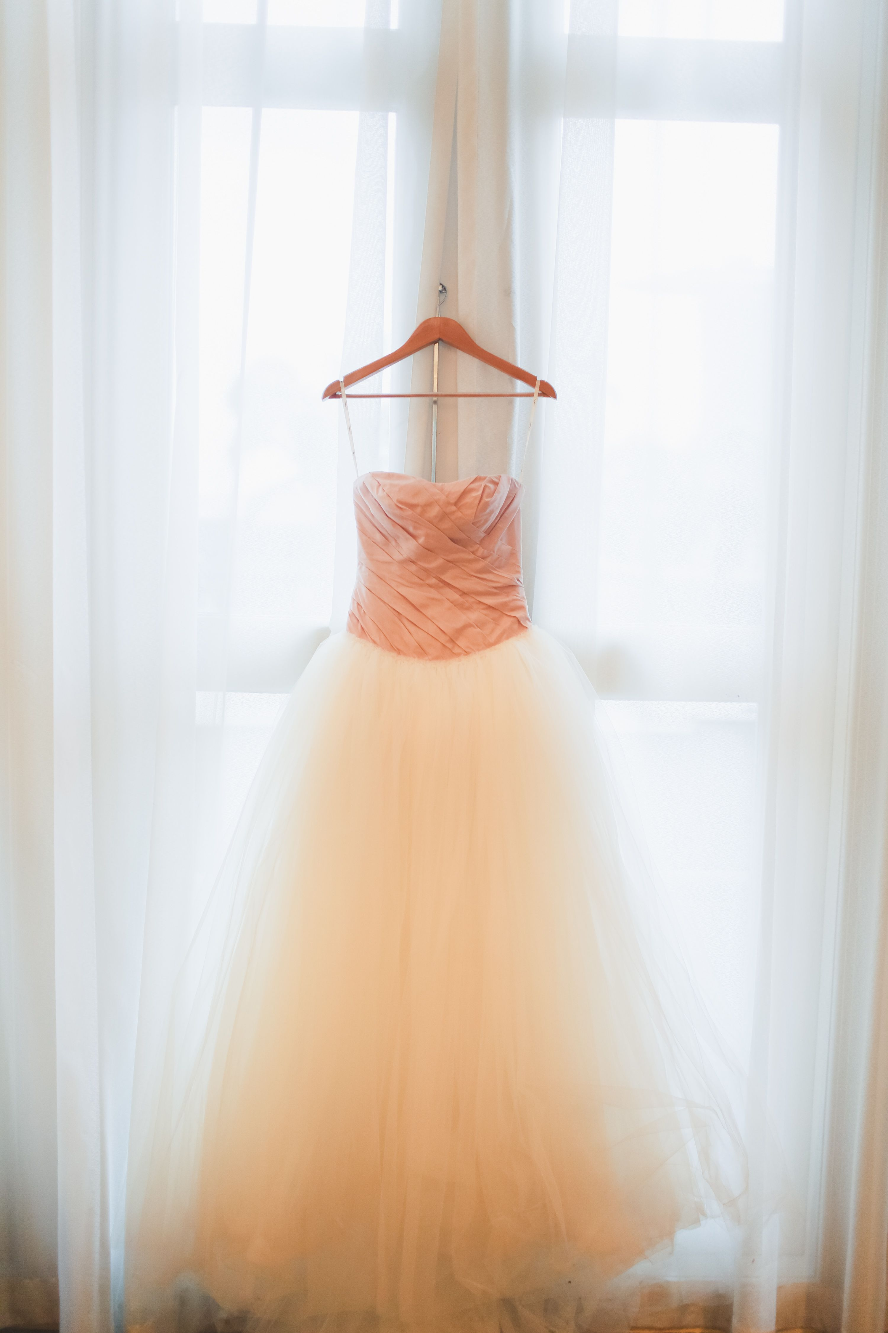 Vera wang ball gown wedding dress  I need this right away Vera Wang Ball Gown with Asymmetrically