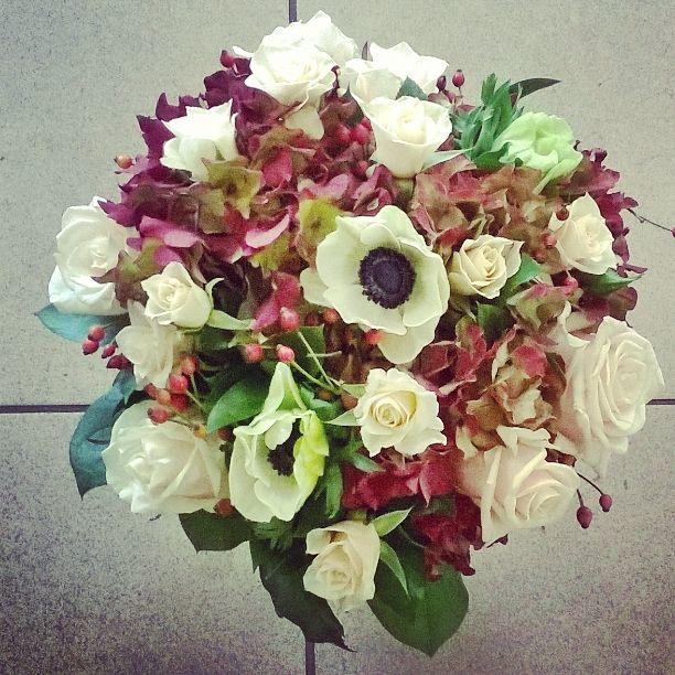 fall flowers * maroon flowers * autumn bouquet * hydrangea * white ...