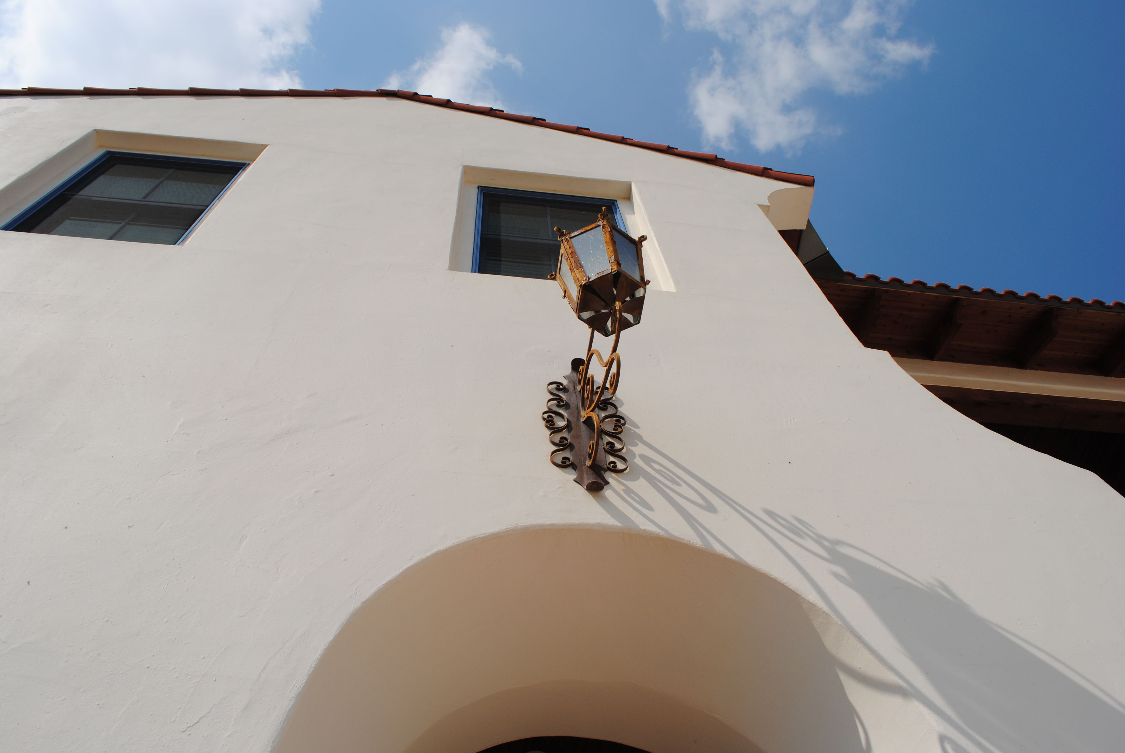 Smooth Hand Troweled Stucco Finish And Graceful Lines Give Old