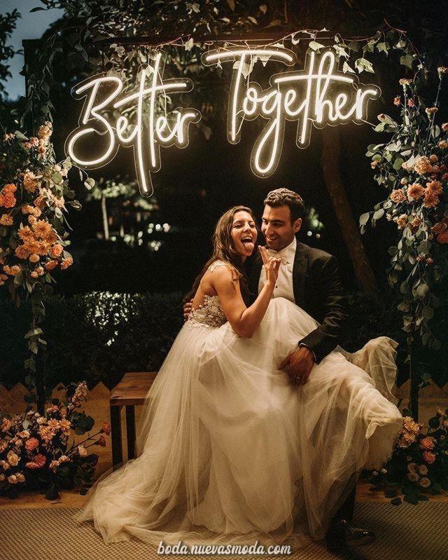 Este mes es muy, muy debajo, y al mismo tiempo divertido!!!! En la final, llegó a la boda.