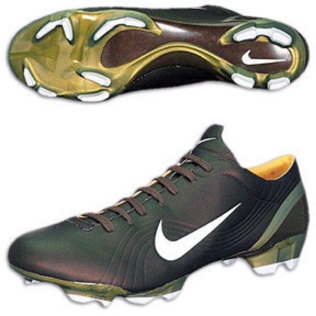 Nike Mercurial Vapor - Soccer / Football