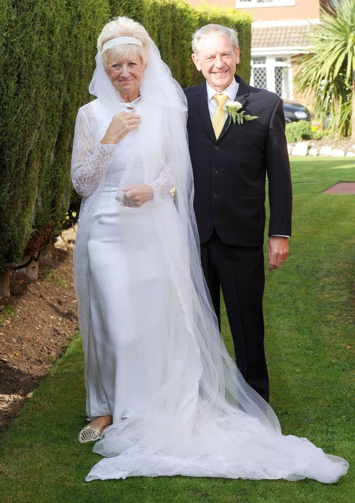 Wedding Dresses For 50 Year Old Plus Size Dresses For Wedding Guest Popular Wedding Dresses Wedding Outfit Ball Gowns Wedding