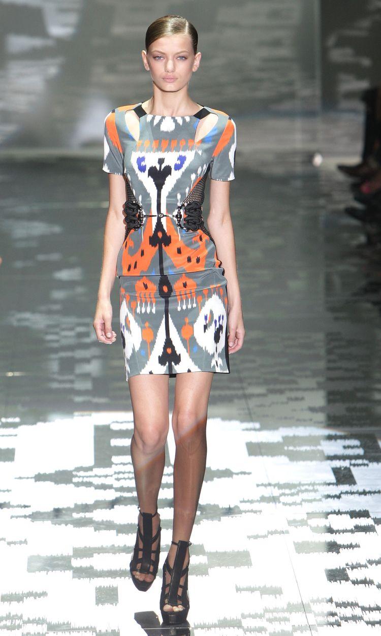 ikat muster ethno mode trend laufsteg gucci - Ikat Muster Ethno Design