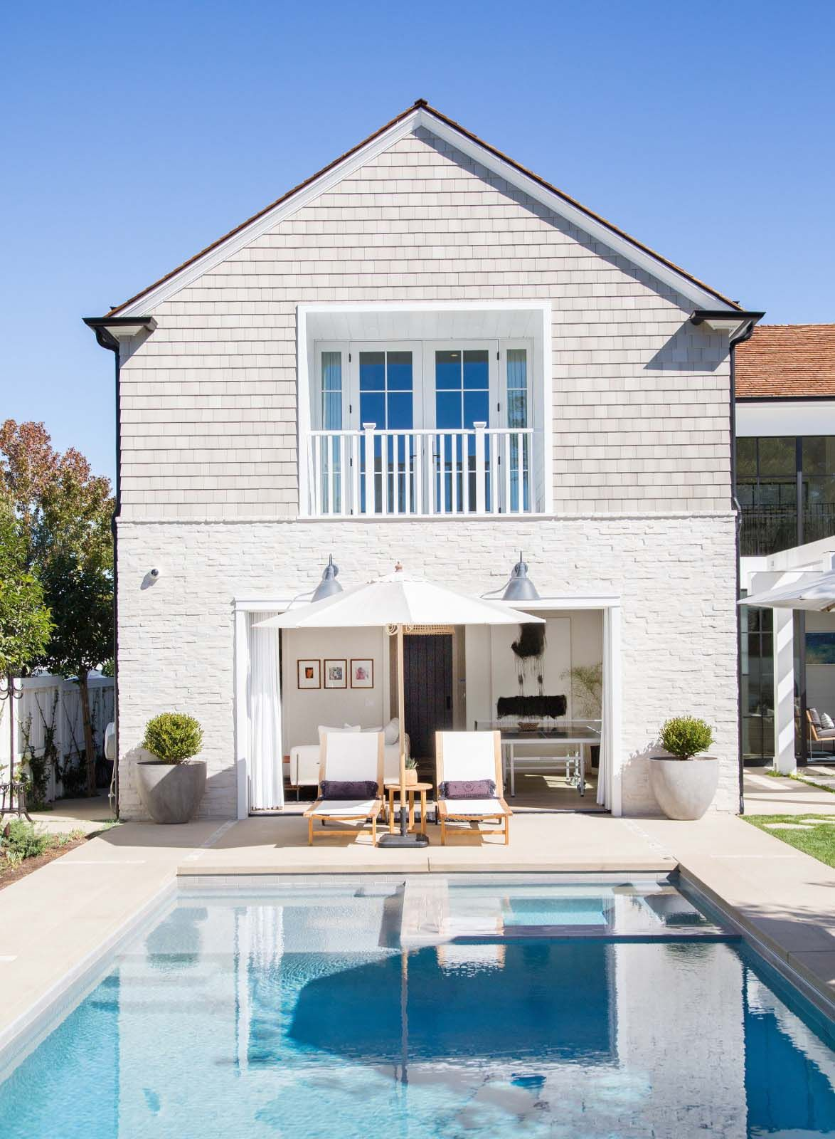 Luminous Coastal Chic Home Features Breezy Living In Newport Beach
