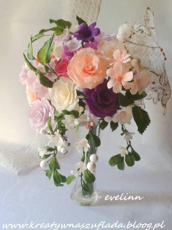 Bukiet Roz Z Krepiny Listki Wykonalam Z Bibuly Marszczonej Floral Wreath Floral Flowers