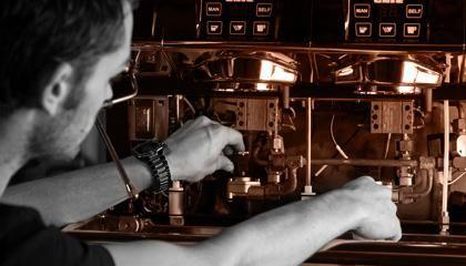 Bij onze klanten in de horeca installeren en onderhouden we alleen state of the art koffiemachines. Een plezier om mee te werken!