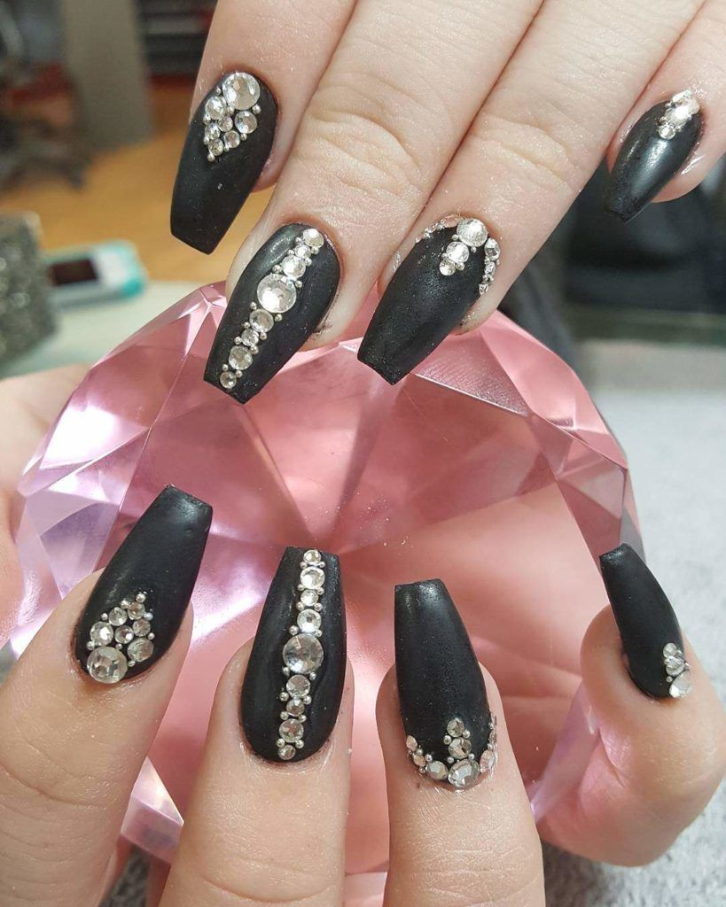 30 Matte Black Nails That Ll Sweep You Off Your Feets Hike N Dip Matte Black Nails Diamond Nails Black Nail Art