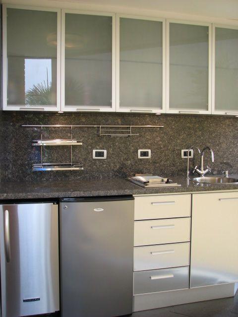 Cocina de diseño para área de Terraza, acabado en Acero tope en ...