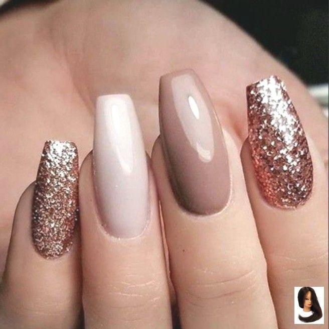 #Acrylnägel #auffällige #GelnägelIdeen #glitter Nails #modische