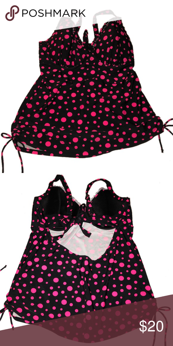 d0bf7e33ea33a Smart   Sexy Swim tip size 42DD black and pink dot Smart   Sexy Swim  swimsuit top in a size 42DD. It is black with pink polka dots printed all  over.