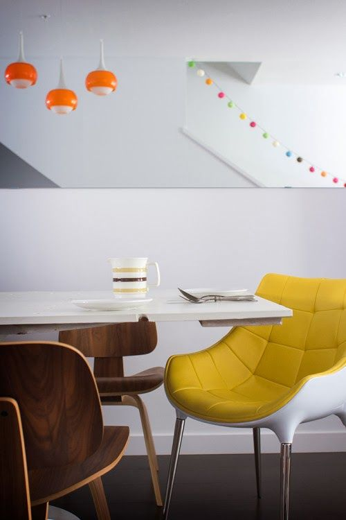 Studio8940.: Colorful Canadian Townhouse