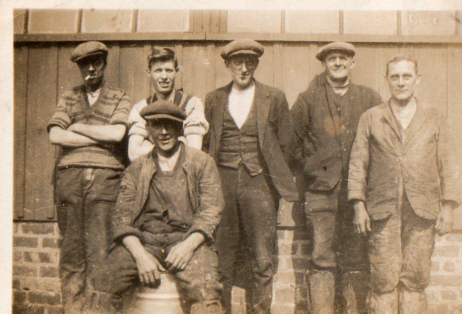 Sepia Saturday Men Minus Ties Mens College Fashion Vintage Fashion 1930s 1930s