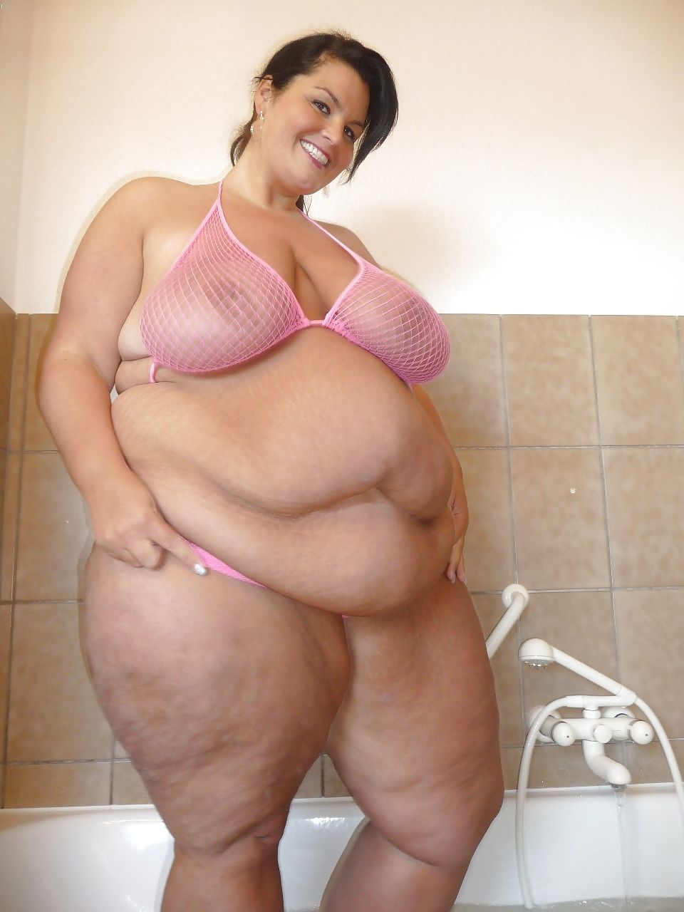 Ssbbw bath time