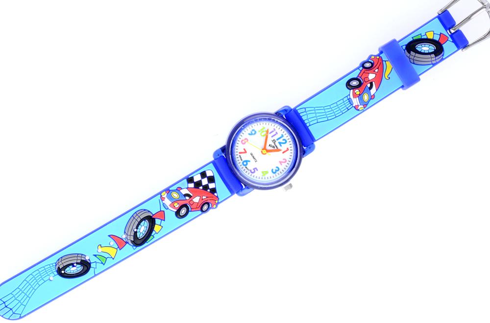 Dla fanów czterech kółek - uroczy zegarek z ozdobnym paskiem z motywem samochodów | NA PREZENT \ Dzień Dziecka od GESELLE Jubiler