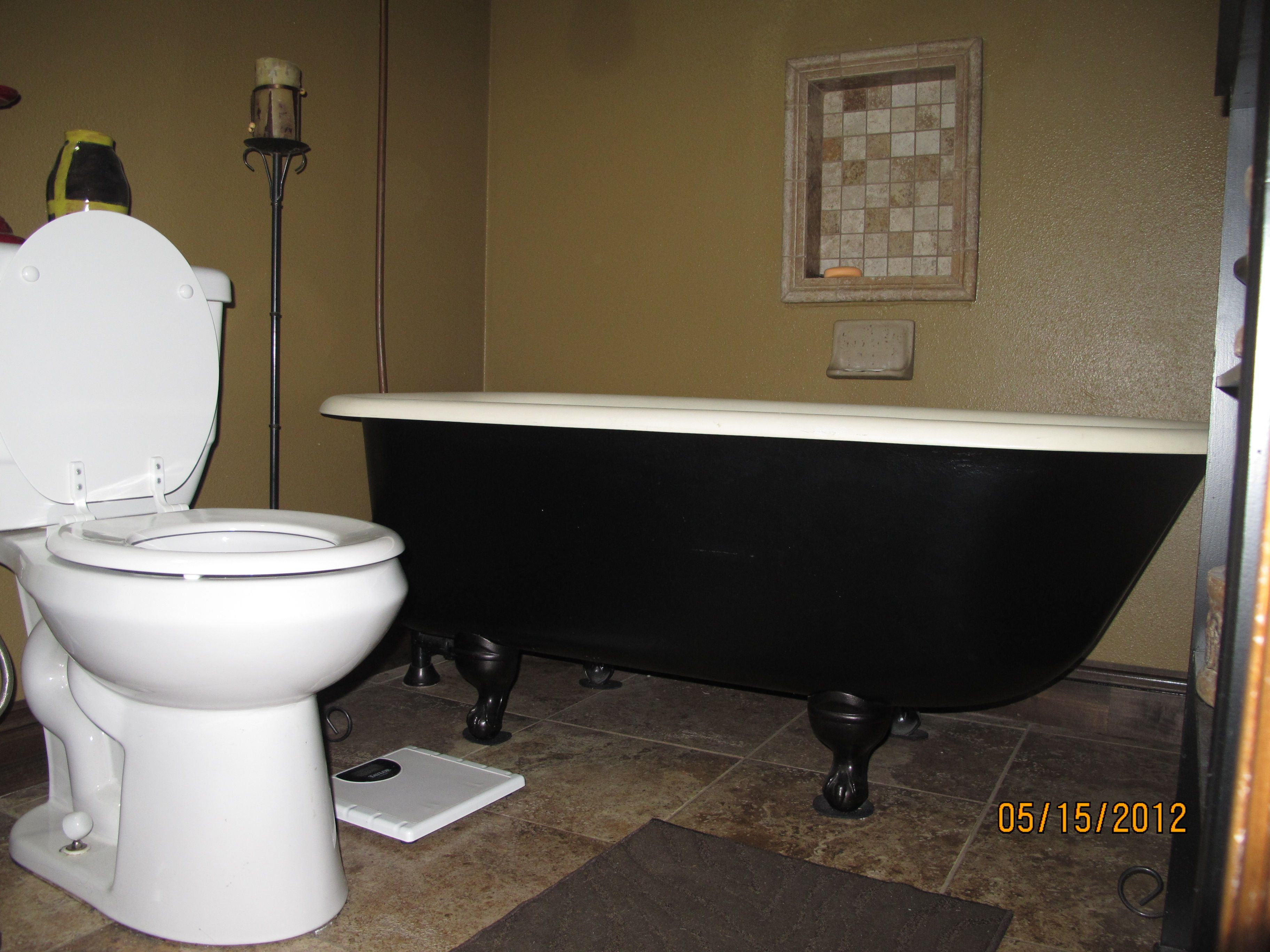 My mom gave me this bathtub for my birthday and my husband painted ...