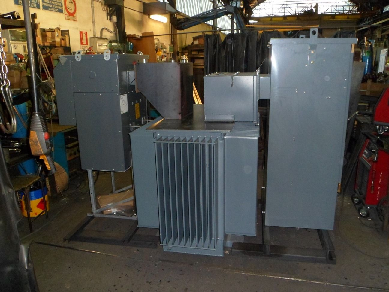 Ring Main Unit And Distribution Transformer Together In One Unit Transformers Electrical Transformers Holiday Shop