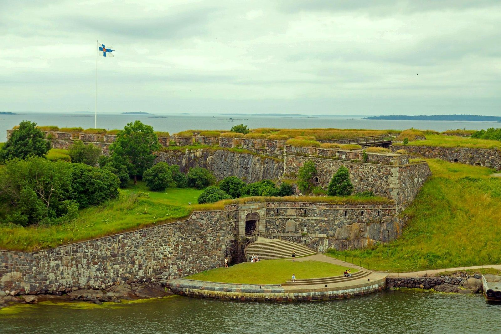 Visit King's Gate, Suomenlinna | Places to visit, Helsinki, Finland