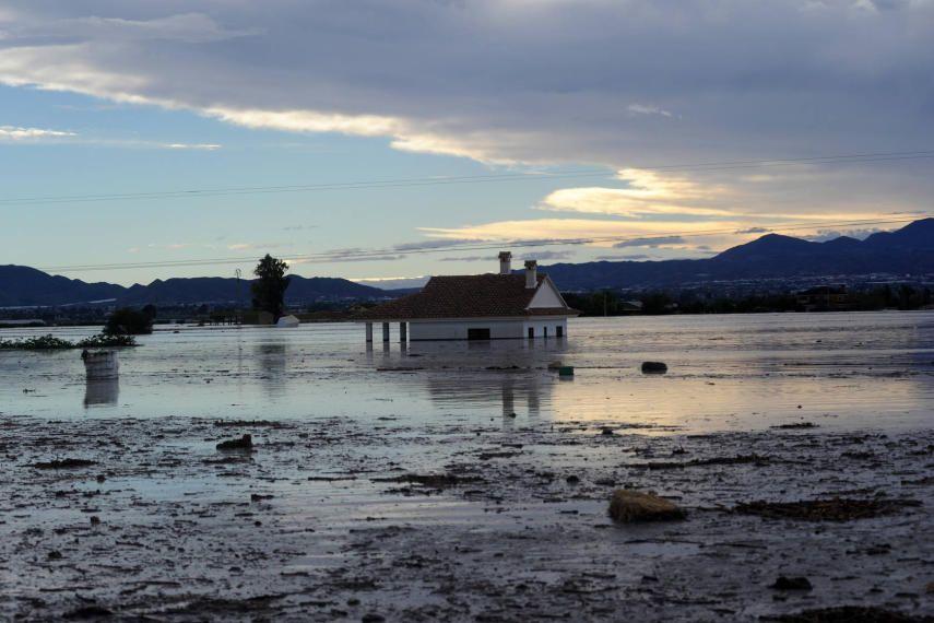 Consecuencias de las lluvias torrenciales en Lorca - LaVerdad.es. Foto 1 de 94