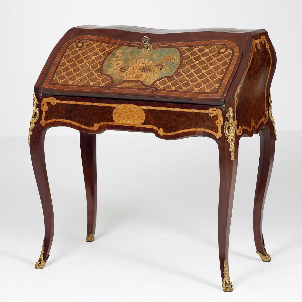Shells and wave like motifs can be found on antique for Baroque reproduction furniture