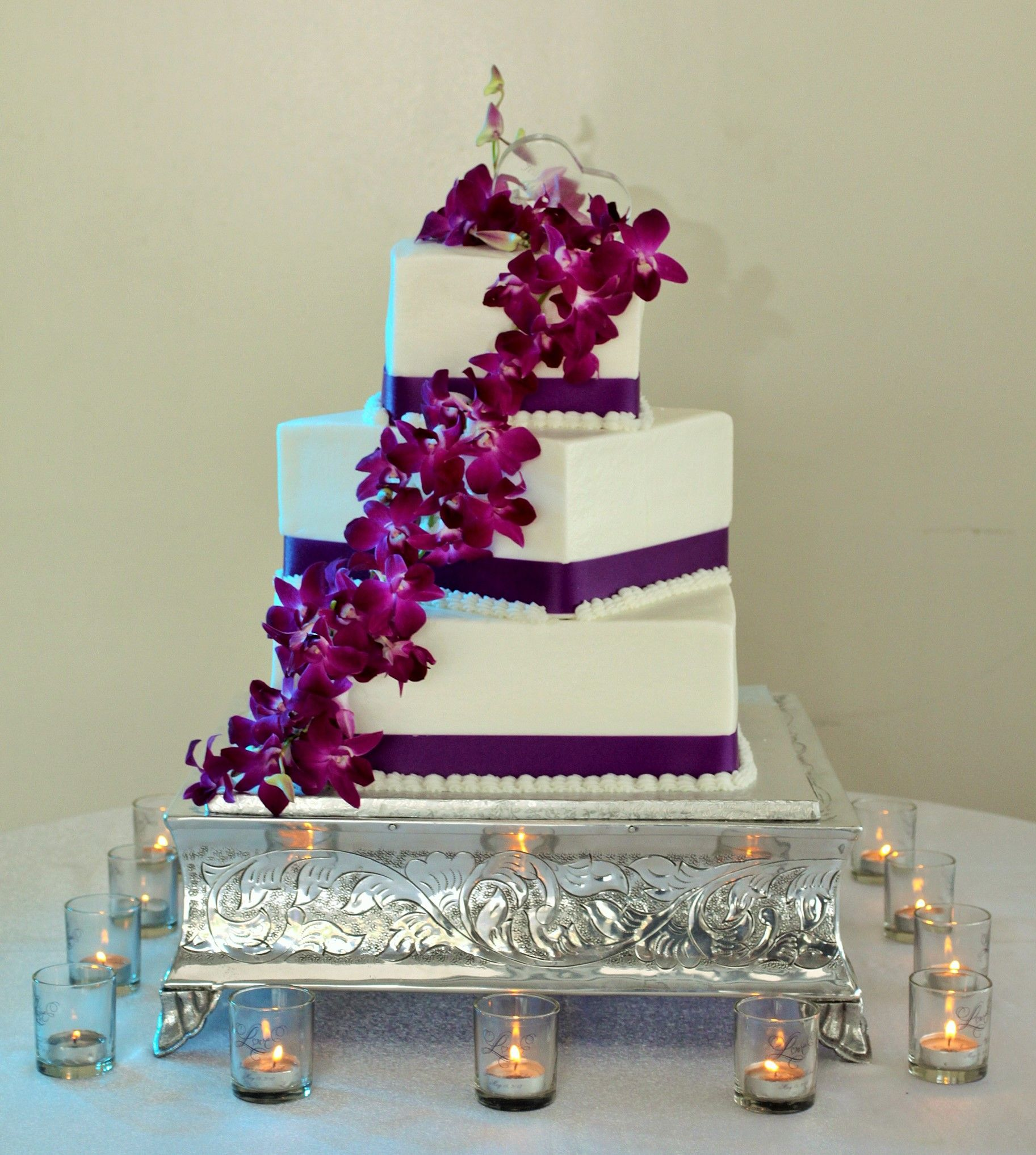 square wedding cakes with ribbon and flowers 3 tier square wedding cake with ribbon and cascading 20429
