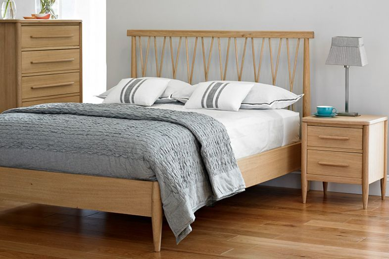 Chiltern Bow Bedroom Ercol Furniture Chic Bedroom Bed