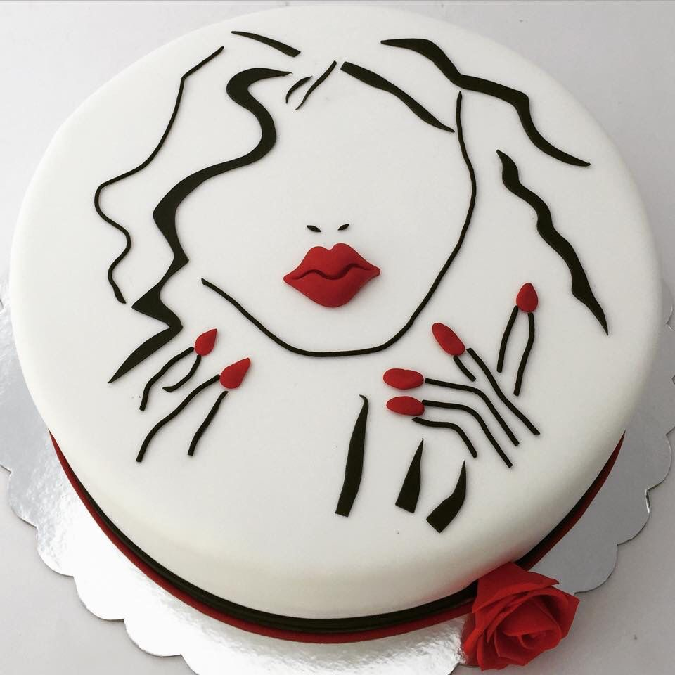 Woman Face Silhouette Cake By Bioled With Images Silhouette