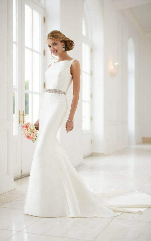 c7a13a38 [159.60] Brilliant Acetate Satin Bateau Neckline Sheath/Column Wedding Dress  With Beaded Embroidery