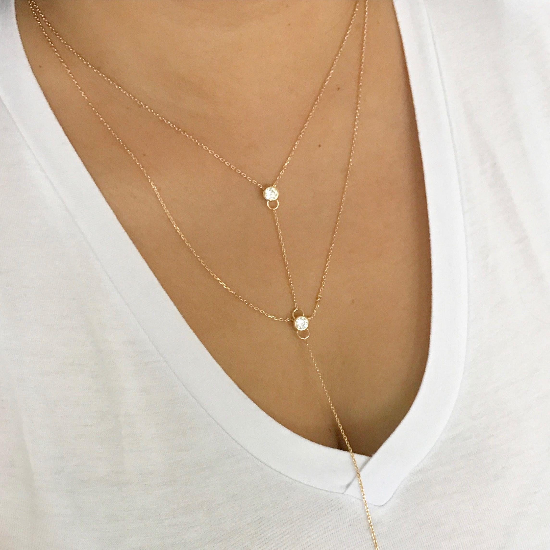 bc9a4e88cd5f6 Colar duplo gravatinha com ponto de luz em zirconias. Banhado à ouro.  Hipoalergênico.   colares  semijoia  acessorios  pingentes  instajewelry   fashion ...