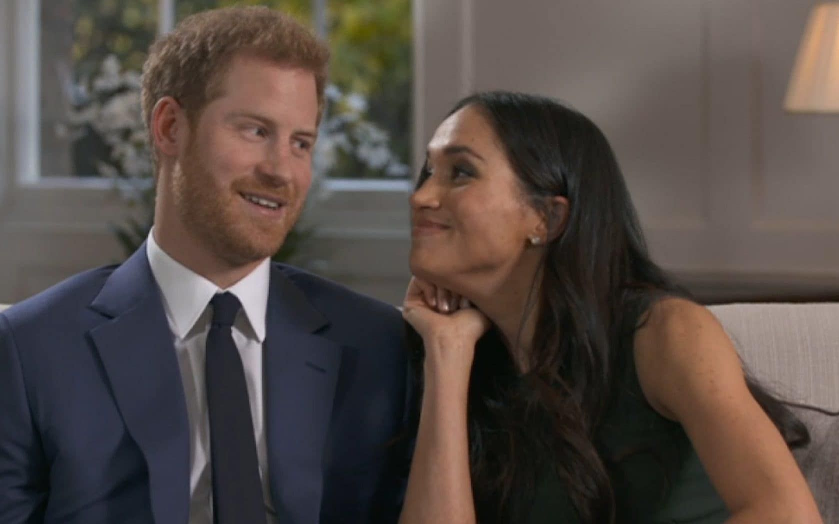 Behind The Scenes Of Royal Engagement Interview Prince Harry And Meghan Markle Joke Around In Previously Unseen Footage Prince Harry And Meghan Prince Harry Interview Meghan Markle Prince Harry