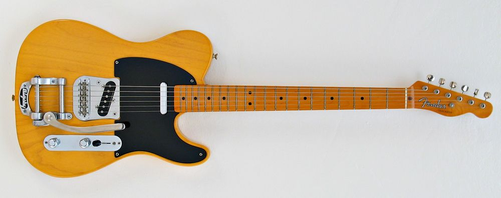 Fender American Vintage 52 Telecaster With Bigsby Fender