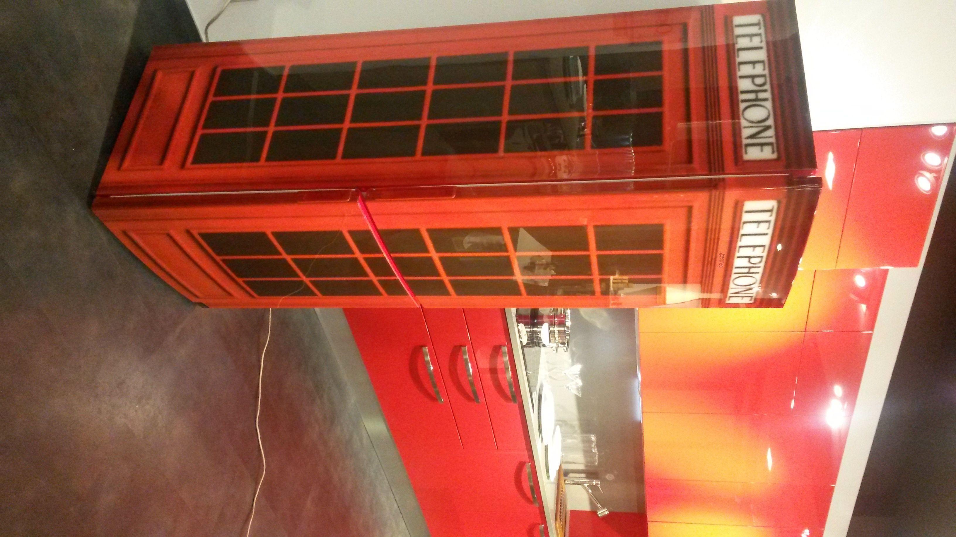 Frigorifero cabina telefonica inglese frigorifero for Cabina telefonica inglese arredamento