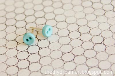 Cute as a Button Earrings fromThe DIY Dreamer
