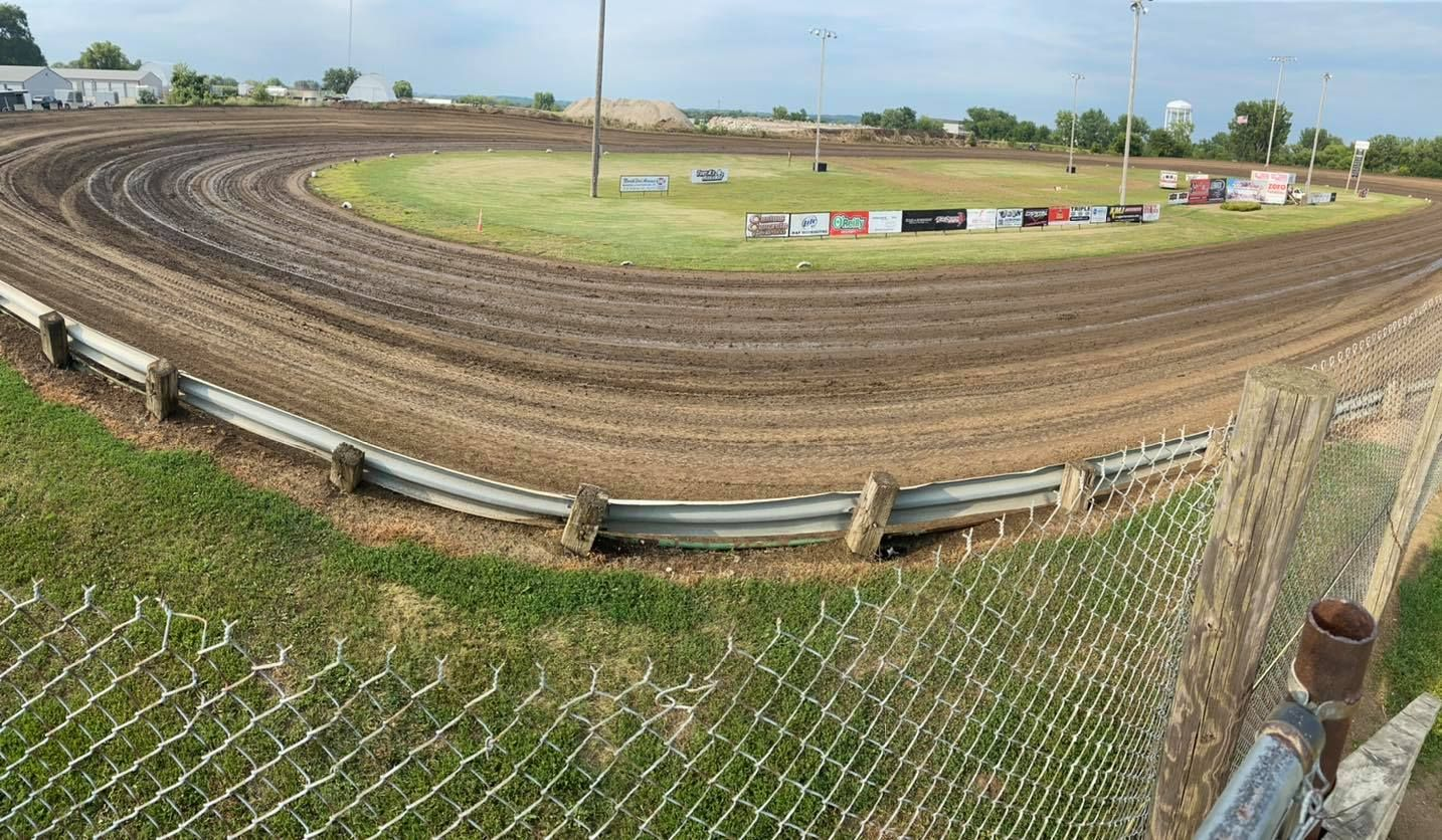 Marshalltown speedway sees heavy storm damage with 106 mph