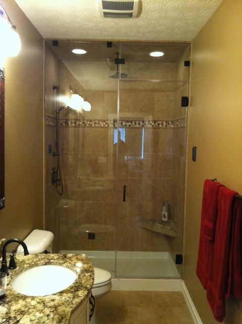 This is a spectacular, completely enclosed, shower with the ...