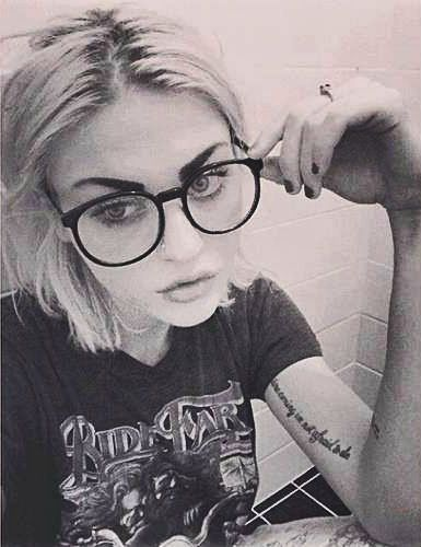 Pin By Carter On Amv Frances Bean Cobain Pretty People Beauty